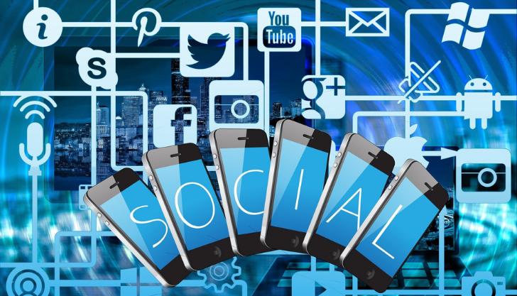 Blog banner for using social media to recruit employees